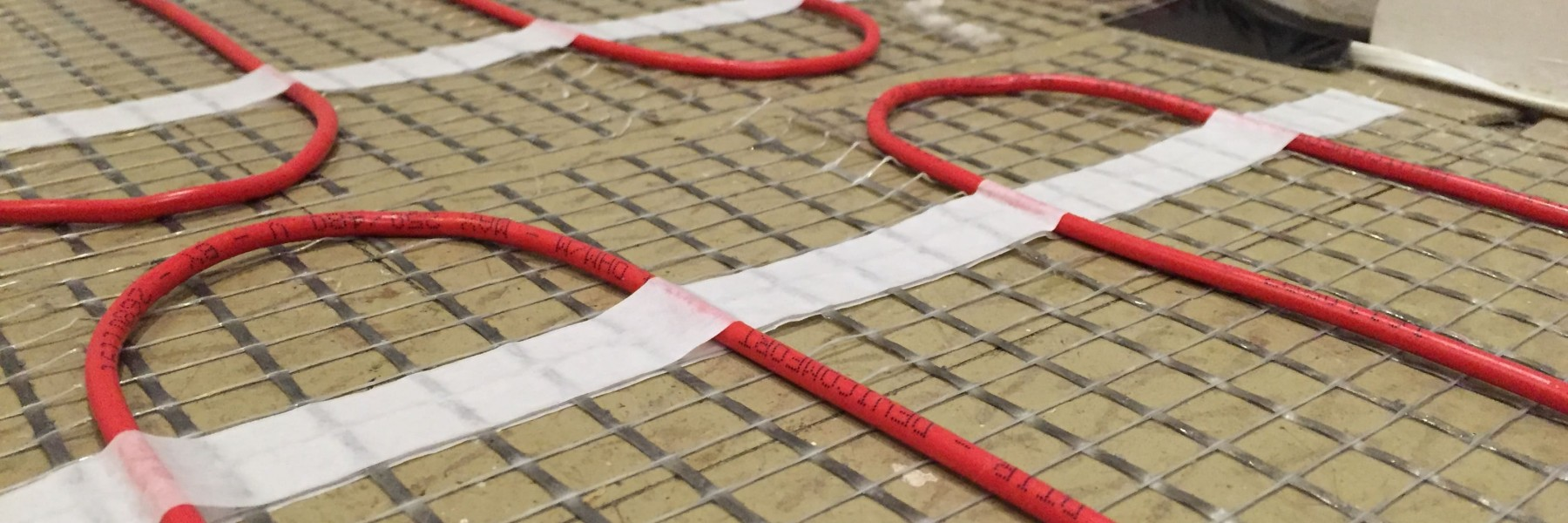 underfloor heating cable installation