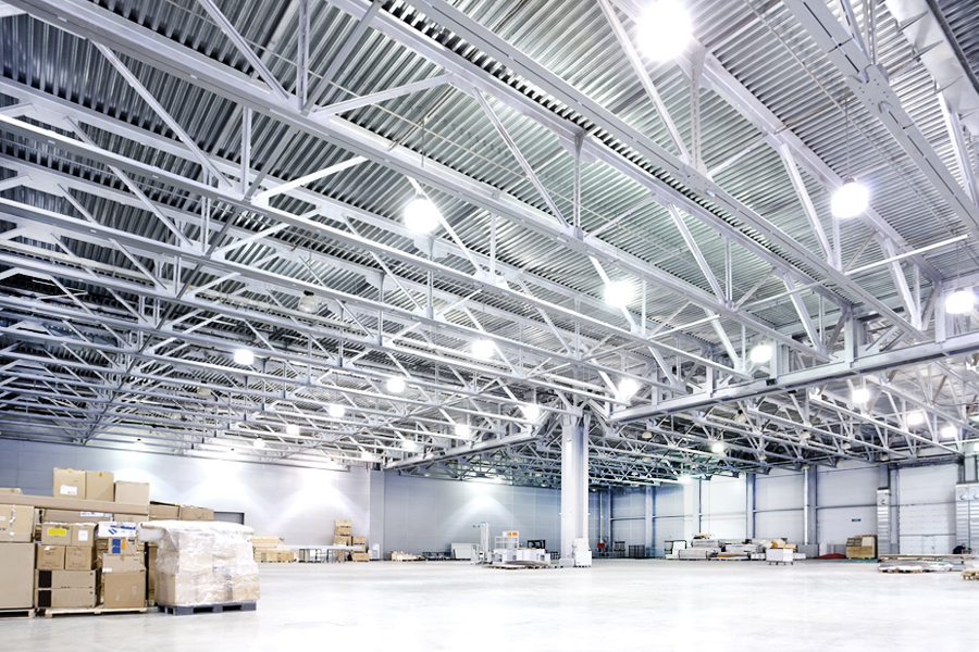 high bay light fixture in warehouse