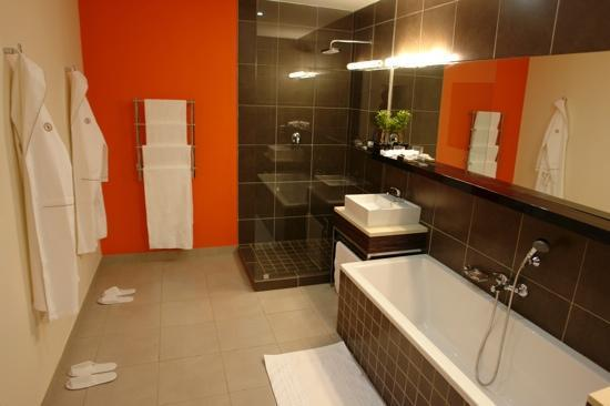 improve hotel bathroom heating solutions