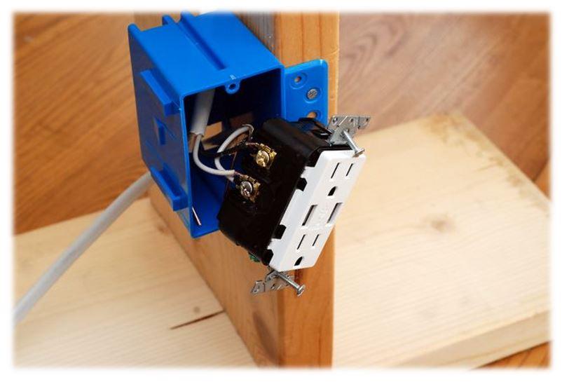 installing usb enabled outlet