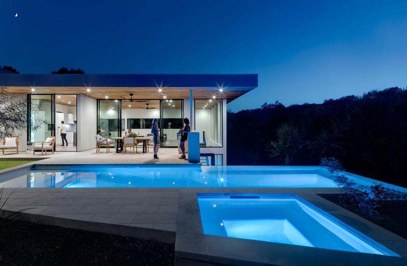 outdoor pool blue LED lighting