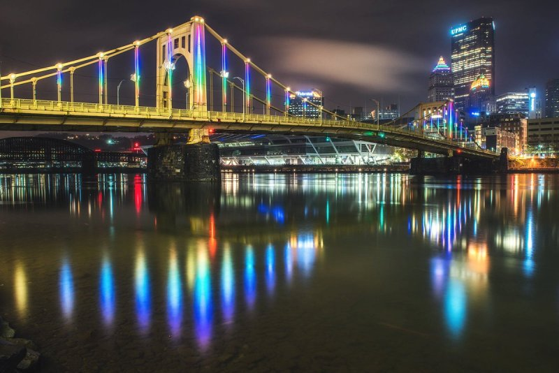 LED light show at Pittsburgh's Rachel Carson Bridge