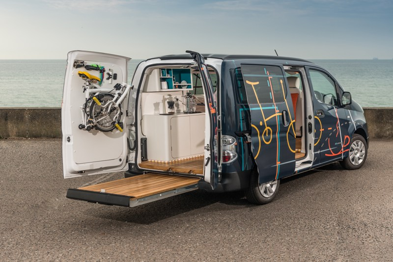 Van With Pull Out Deck