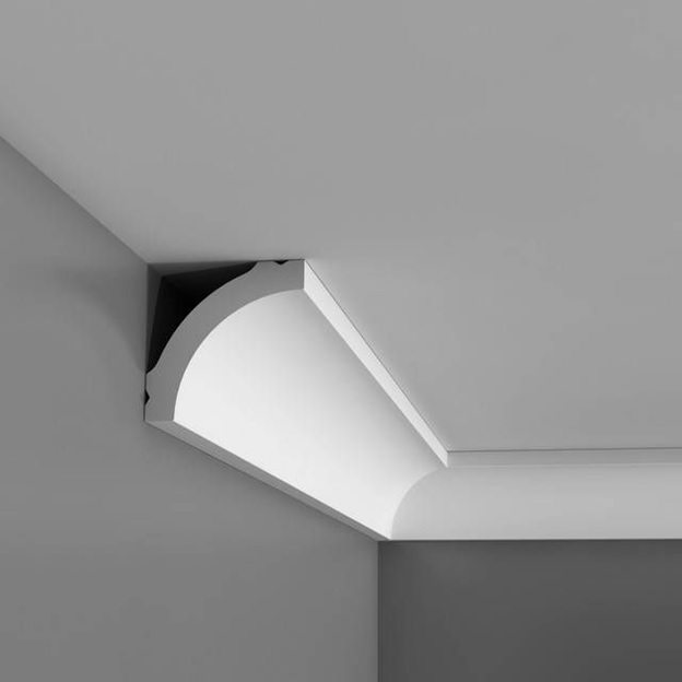 crown molding on ceiling with gap showing