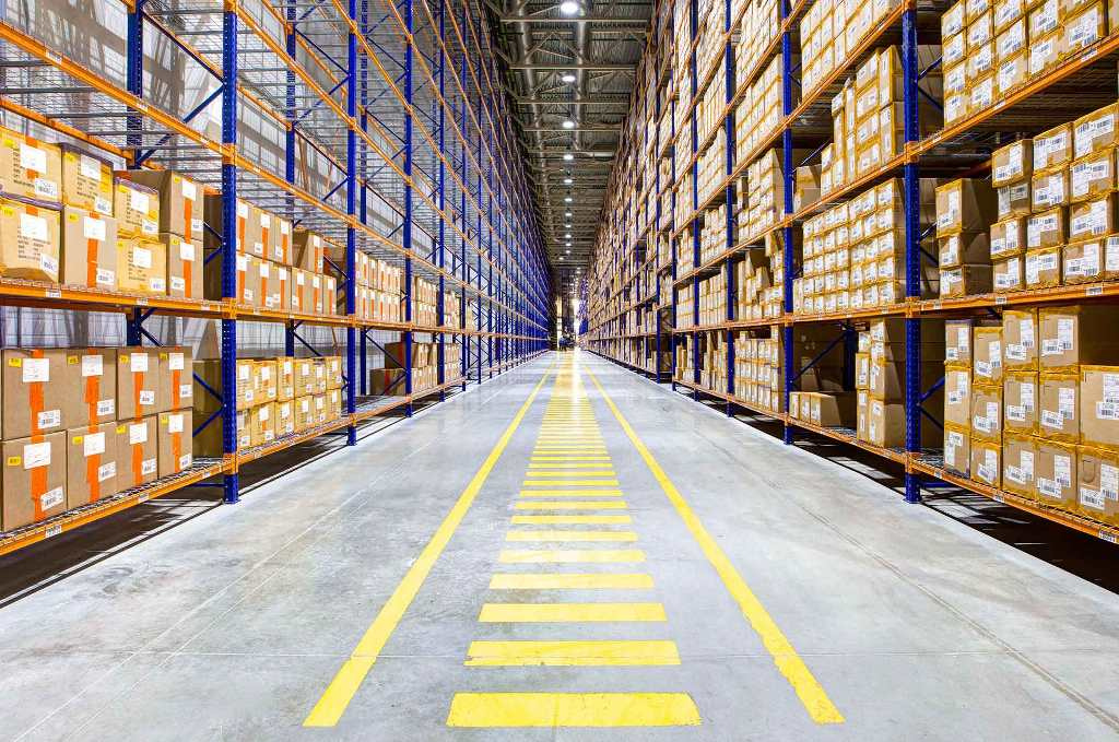 LED light beam angles in Warehouse